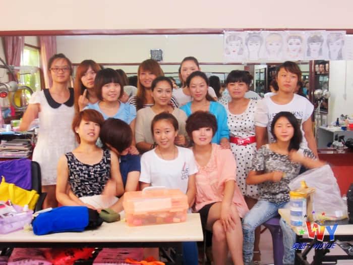 美甲班卢少亚—在吴越学校学习的日子里