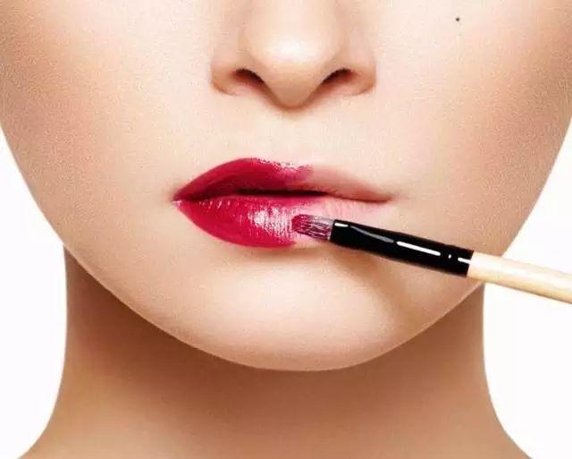 化妆师不会告诉你的逆天化妆细节姑娘们的人生真谛