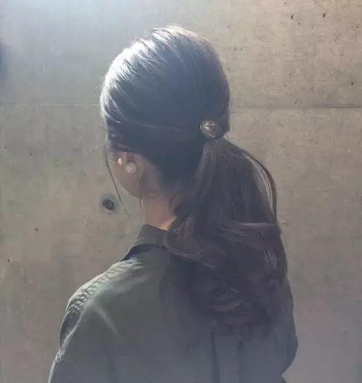 【美发】不要再披头散发了,这样扎瞬间年轻10岁!