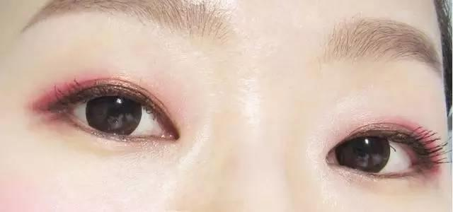 把眼线画成这样,你才知道自己有多漂亮!