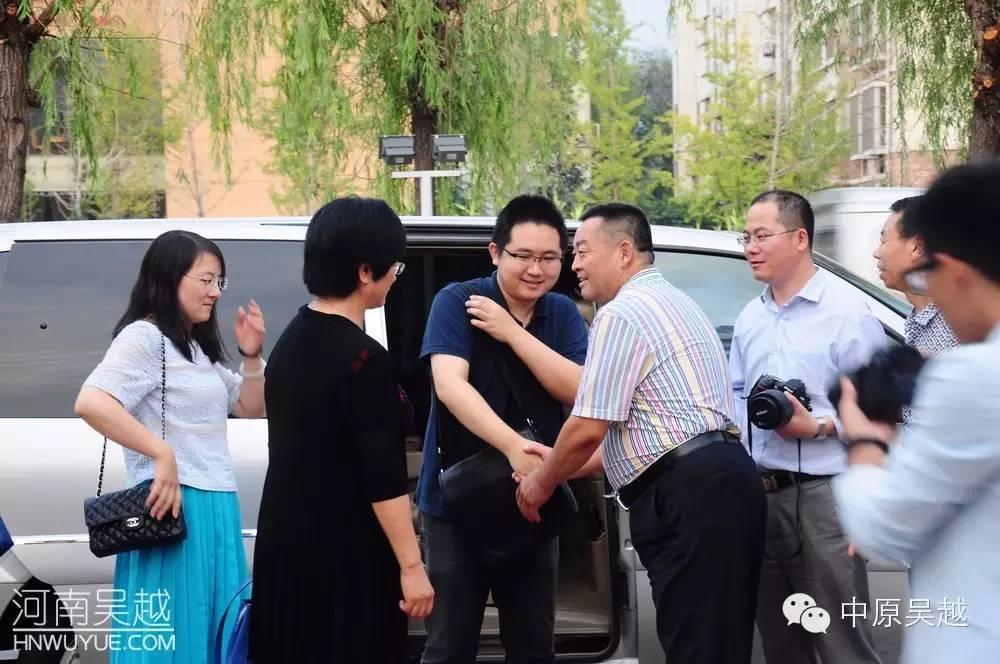 【中原吴越】国家残联领导在市残联陪同下来吴越学校视察指导工作