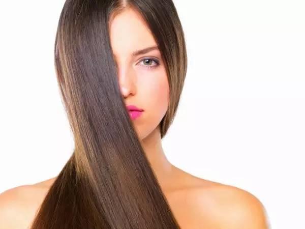 头发剪得越勤,长得越快?你不知道的12个美发真相!