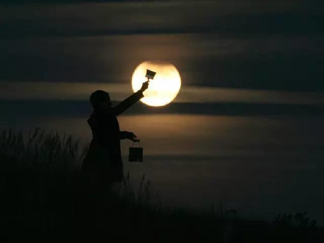 看大师玩月亮,我惊呆了。。。