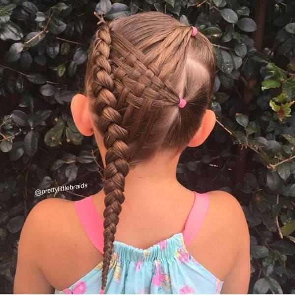 她帮女儿扎头发,居然扎出了10万粉丝!