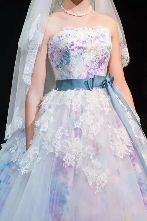 结婚还穿白婚纱??看看这个,才够创意!!