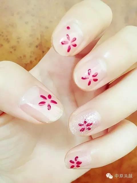 【吴越学校】春意盎然  花朵美甲图片最动人