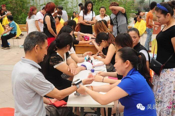 【吴越学校】吴越学校志愿者活动——水景湾站