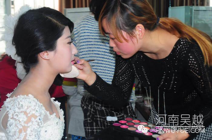 绽放的青春——吴越学校化妆专业学员实操剪影