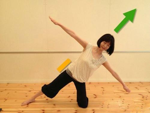 4个瘦腰动作 让你迅速拥有小蛮腰