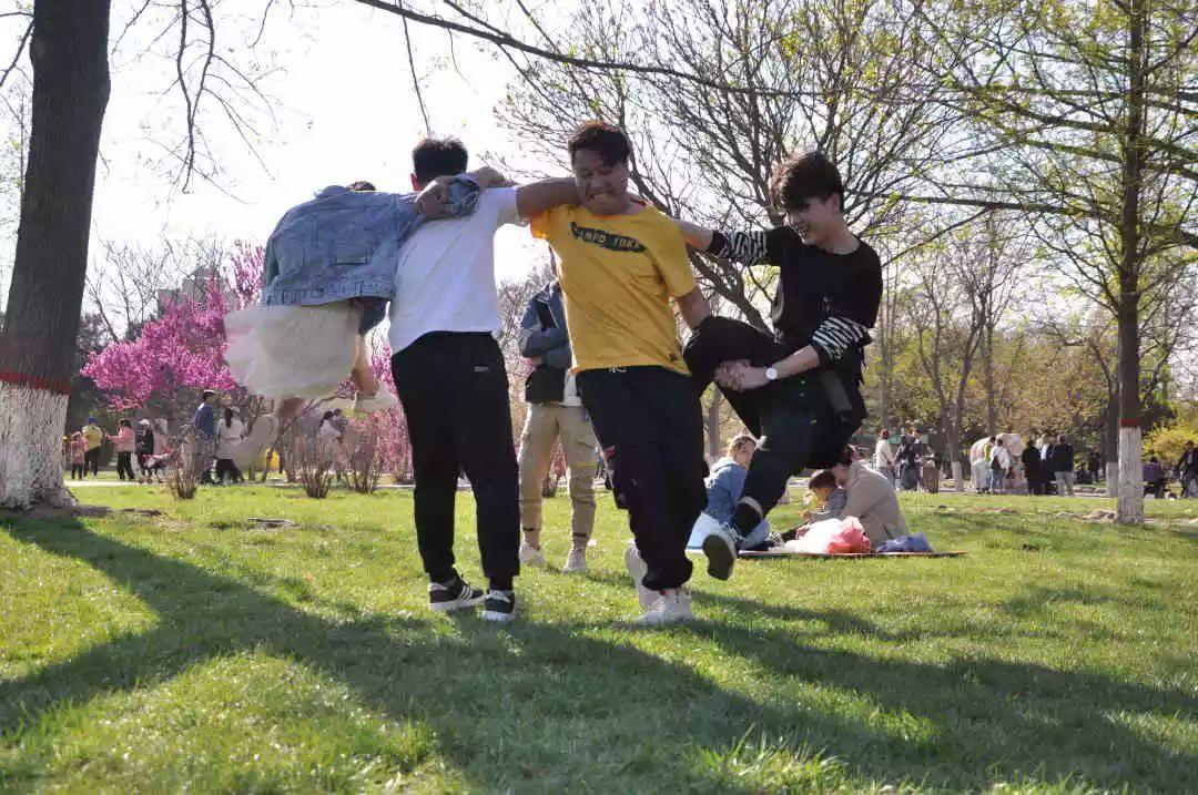春暖花开艳阳日,吴越学员踏春行