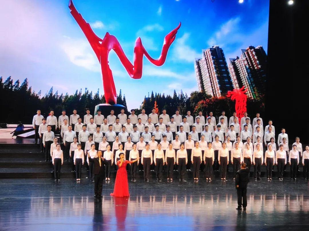 330人大型舞台妆,吴越学校为市工商联庆祝建党100周年文艺演出义务化妆